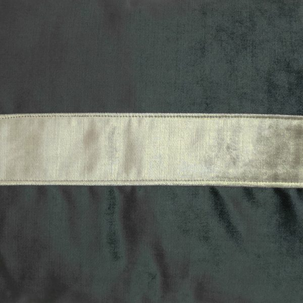 Front: Iridescence Band-Graphite